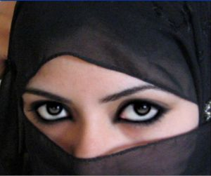 Beautiful-eyes-of-muslim-womens-image-4
